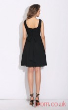 Black Chiffon A-line Mini V-neck Graduation Dress(JT2361)