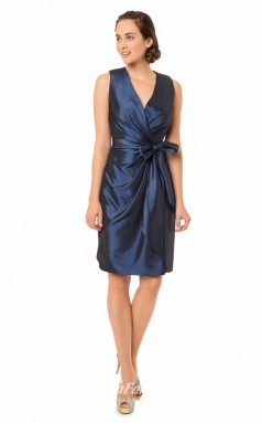 1575UK2050 Sheath/Column V Neck Navy Blue Taffeta High/Covered Bridesmaid Dresses
