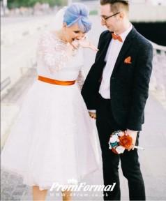 1950s Plus Size Tea Length Lace Vintage Long Sleeved Wedding Dress BWD069